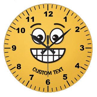 Relógio Grande Sorrindo a cara com olhos abertos