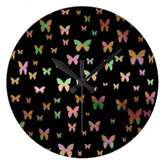 Relógio Grande teste padrão de borboleta cor-de-rosa do ouro do