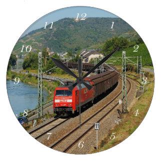 Relógio Grande Trem de carga em Lorch à reno
