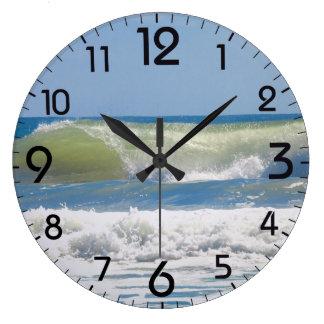 Relógio Grande Uma onda perfeita da praia
