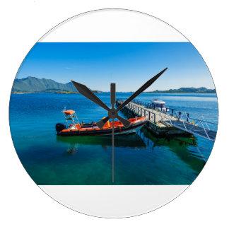 Relógio Grande Veado da aterragem e barco da velocidade
