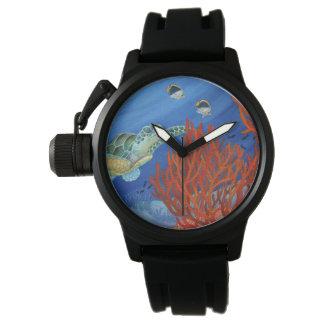 Relógio Honu (tartaruga de mar verde) e coral preto