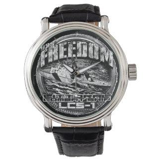 Relógio litoral do eWatch da liberdade do navio de