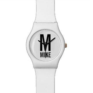 Relógio Monograma e nome personalizados modernos