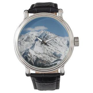 Relógio Mt. Blanc com nuvens