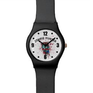 Relógio O caçador do zombi com o Splatter do sangue