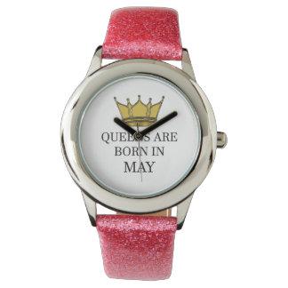 Relógio O Queens é nascido em maio