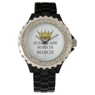 Relógio O Queens é nascido em março