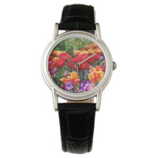 Relógio Ondas florais dos carmesins de Falln