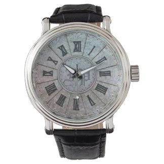 """Relógio """"oxidado"""" da antiguidade com (ou sem)"""