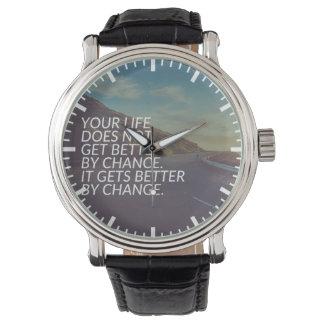 Relógio Palavras inspiradas - a vida obtem melhor pela