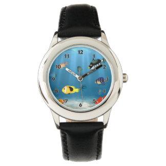 Relógio Peixes no oceano