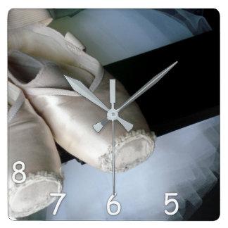 Relógio Quadrado 5, 6, 7, 8 - calçados de Pointe & pulso de disparo
