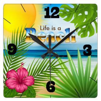 Relógio Quadrado A vida do nascer do sol é um design da praia