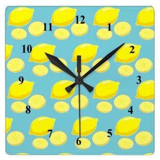 Relógio Quadrado Amarelo retro do teste padrão das fatias dos
