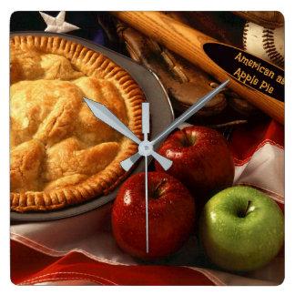 Relógio Quadrado Americano como a torta de Apple