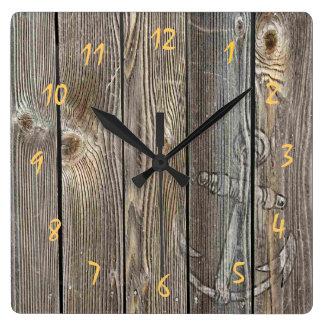 Relógio Quadrado Âncora rústica bonita na vista autêntica de