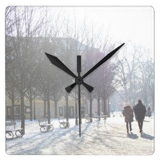 Relógio Quadrado Árvore do inverno em Praga (república checa)
