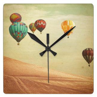 Relógio Quadrado Balões de ar quente no céu