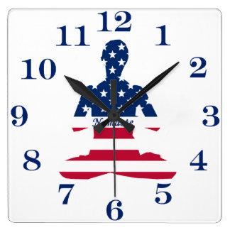 Relógio Quadrado Bandeira da ioga do americano da meditação dos EUA