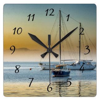 Relógio Quadrado Barcos serenos no pulso de disparo entrado oceano