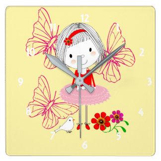 Relógio Quadrado Borboletas lunáticas bonitos e flores da menina