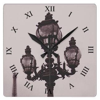Relógio Quadrado Cargo da lâmpada no pulso de disparo da ponte de