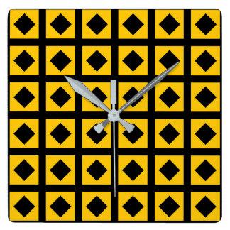 Relógio Quadrado Carvões e quadrados do ouro