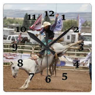 Relógio Quadrado Cavalo Bucking branco
