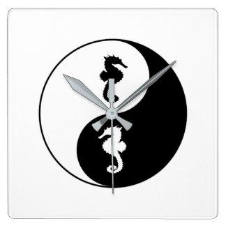 Relógio Quadrado Cavalo marinho de Yin Yang