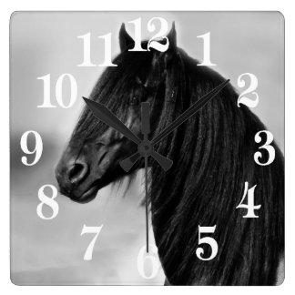 Relógio Quadrado Cavalo preto do garanhão do frisão