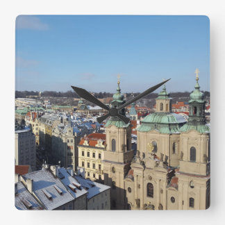 Relógio Quadrado Cidade de Praga e da igreja barroco São Nicolau