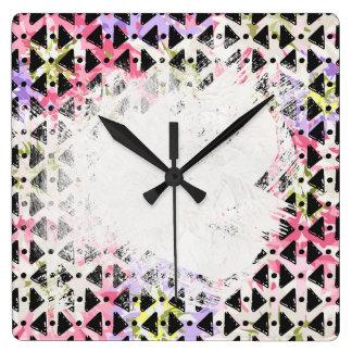 Relógio Quadrado Colorido dado forma de Criss diamante transversal