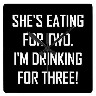 Relógio Quadrado Comer para dois que bebem para três