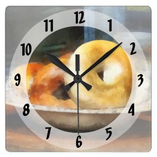 Relógio Quadrado Comida - Bagels para a venda