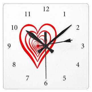 Relógio Quadrado Coração alvo com seta
