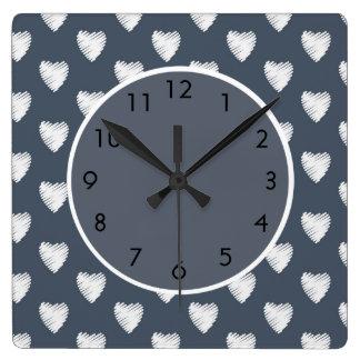 Relógio Quadrado Corações brancos bonitos em azuis marinhos