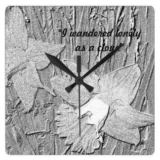 Relógio Quadrado Daffodils preto e branco do estilo do desenho de