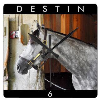 Relógio Quadrado Destin - abrigo do cavalo