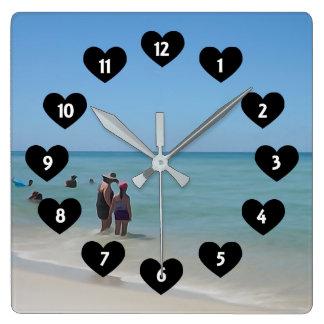 Relógio Quadrado Dia na praia com o pulso de disparo de parede do