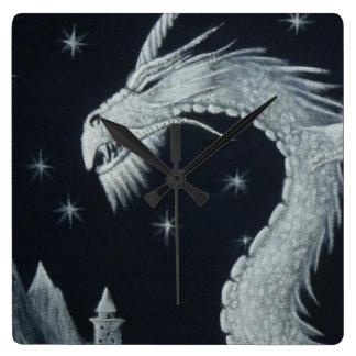 Relógio Quadrado Dragão no pulso de disparo de parede da noite