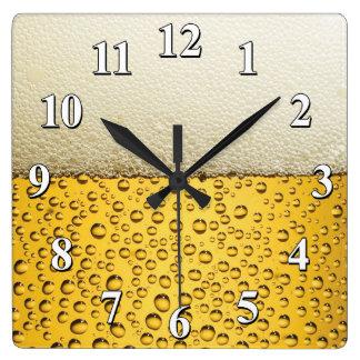 Relógio Quadrado Espuma da cerveja e bolhas - caverna engraçada do