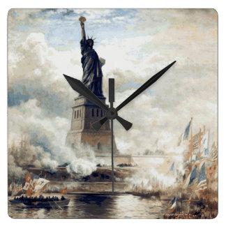 Relógio Quadrado Estátua da liberdade que revela 1886
