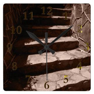 Relógio Quadrado etapas de pedra velhas