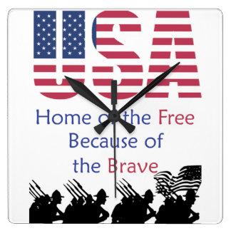 Relógio Quadrado EUA - Casa do livre devido ao bravo