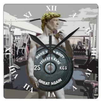 Relógio Quadrado Exercício engraçado David do Gym como o meio corpo