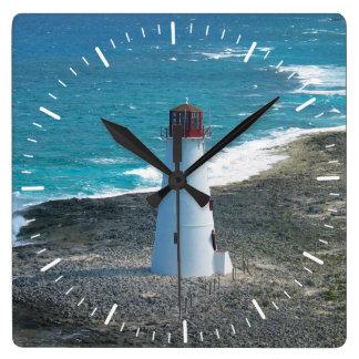 Relógio Quadrado Farol em Nassau no pulso de disparo de Bahamas