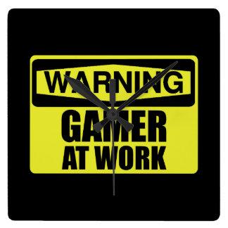 Relógio Quadrado Gamer do sinal de aviso no trabalho engraçado