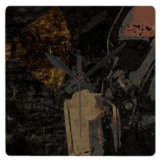 Relógio Quadrado Homem com máscara protetora na placa de metal