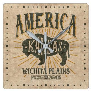 Relógio Quadrado Logotipo referente à cultura norte-americana do